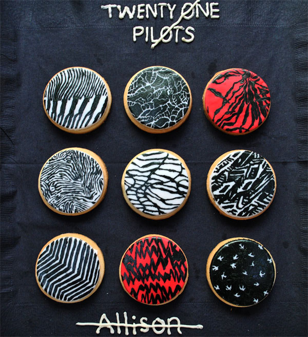 how to make blurryface birthday cookies
