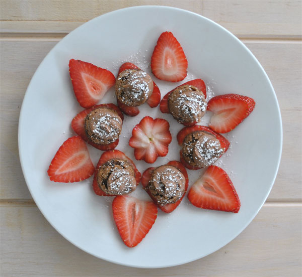 elegant strawberry and brownie dessert