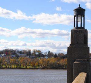 Veterans-Memorial-bridge columbia wrightsville