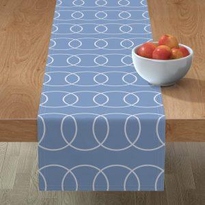 blue circle table runner