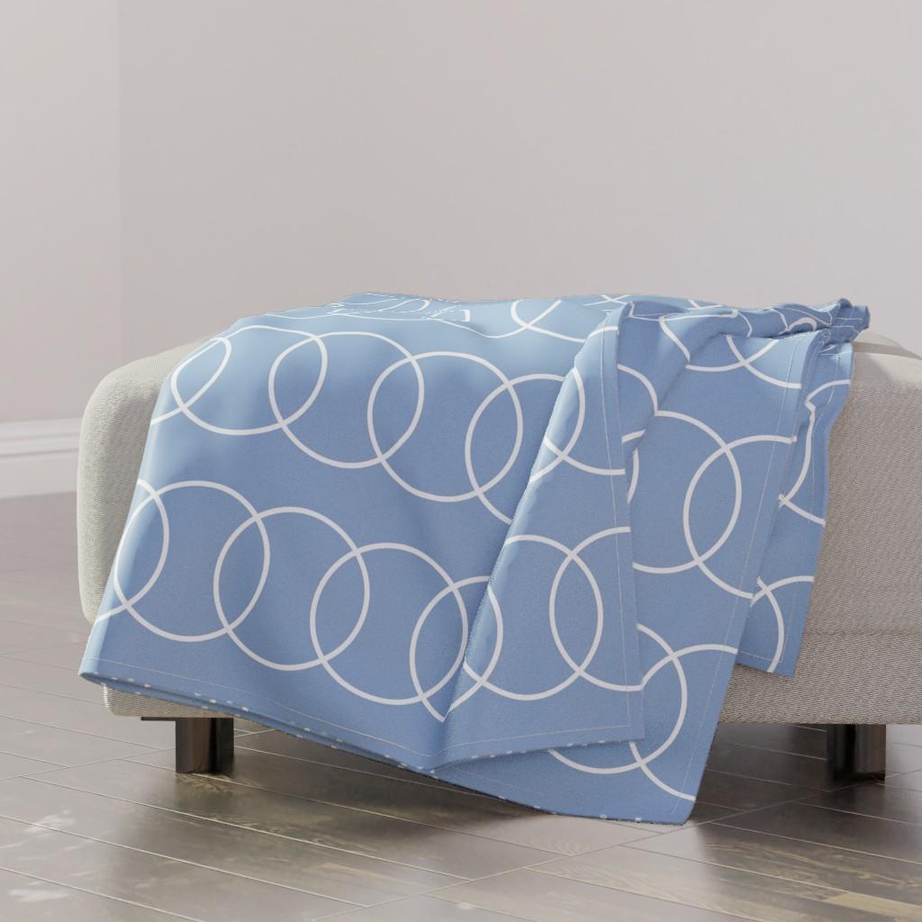 blue circle throw blanket