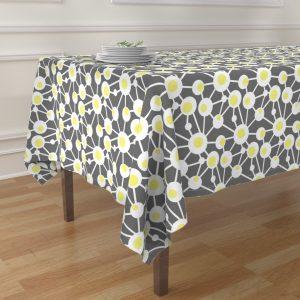 egg table cloth
